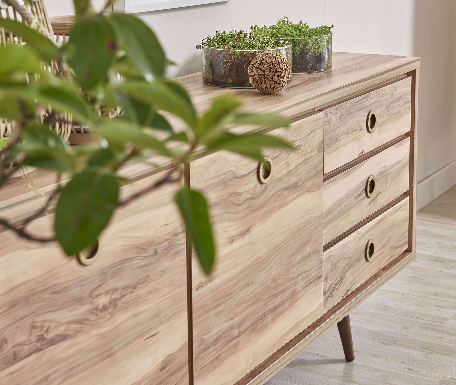 Queen Console (Tropic Walnut)