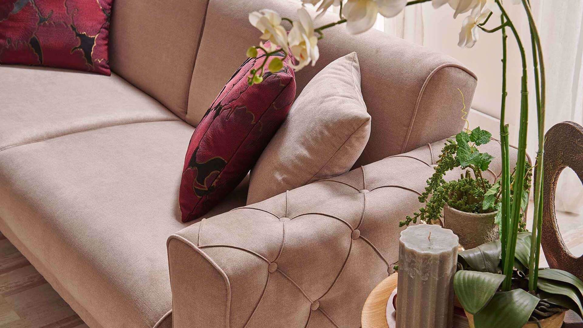 Gyna Three Seater (Sofabed)